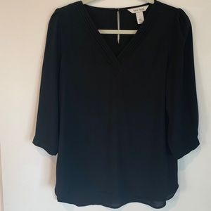 WHBM size 2 black top. Classic style.